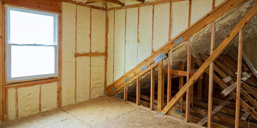 How Does Spray Foam Insulation Prevent Mould Growth?